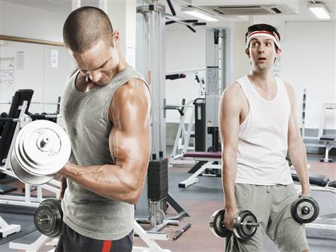3 errores que no te dejan musculo skinny-guy-working-out