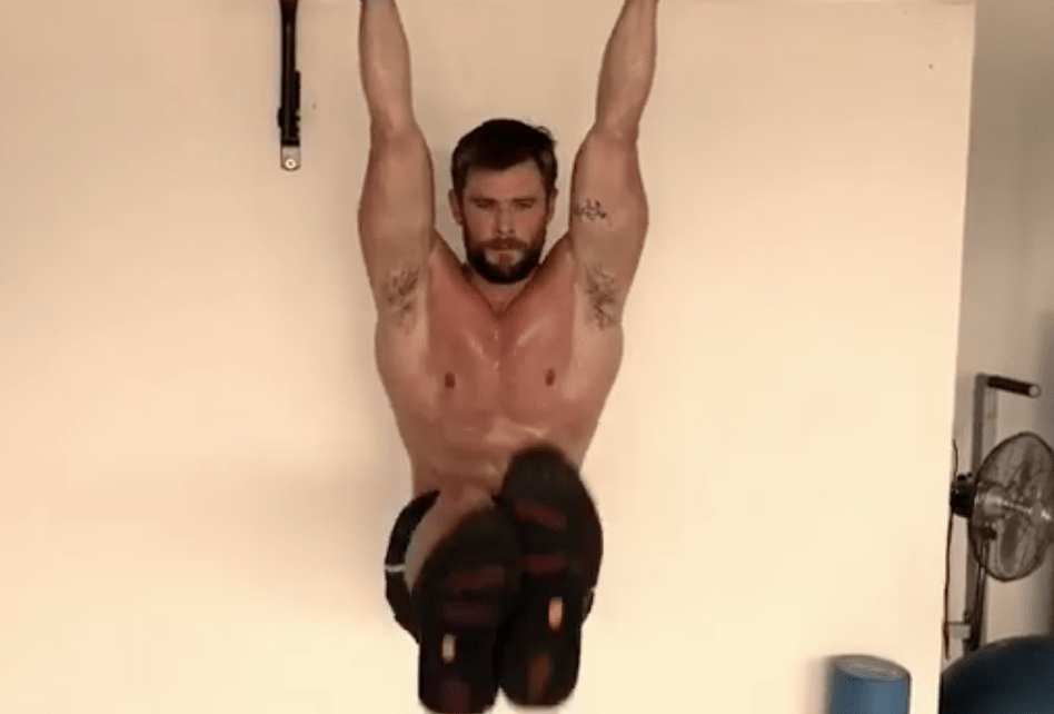 Rutina Chris Hemsworth, brazo y abs de Thor