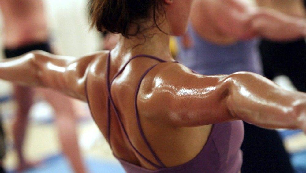Cómo evitar la sudoración excesiva y con mal olor