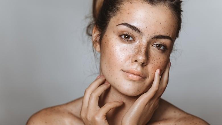 Cómo influyen las hormonas en la piel y músculos