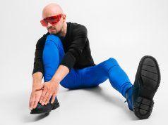 hombre en leggings, hombre en meggins con bulto discreto, como usar correctamente los leggings para hombre
